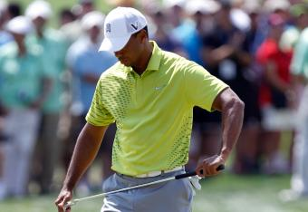Tiger is muttering after another 3-putt bogey at No. 14
