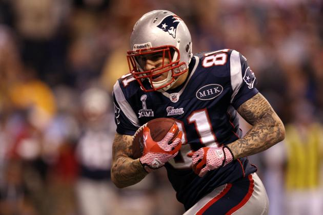 Why New England Patriots Were Smart to Extend Aaron Hernandez Before Wes Welker