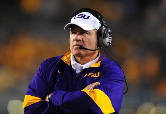 Les Miles can't be thrilled by LSU's first-half mistakes