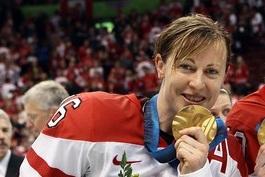 Jayna Hefford: CWHL Legend Is the Wonder Woman of Canadian Hockey