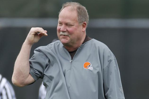 Debate: Should the Browns Get Rid of Mike Holmgren After 2012?