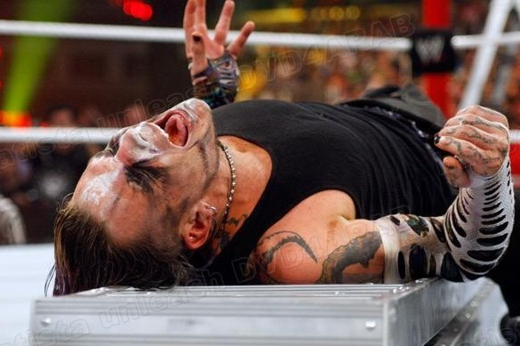 WWE: Jeff Hardy, Shawn Michaels, and the Fine Art of Selling a Match