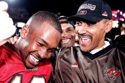 Shaun King, Former Buc QB, Predicts 5-11 for 2012 Buccaneer Season