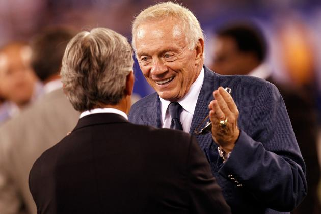 Jerry Jones Wants to See Regular Season Expanded, and More NFC East News