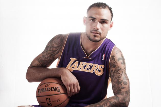 Los Angeles Lakers: Newly Signed Center Robert Sacre Could Be Key Backup