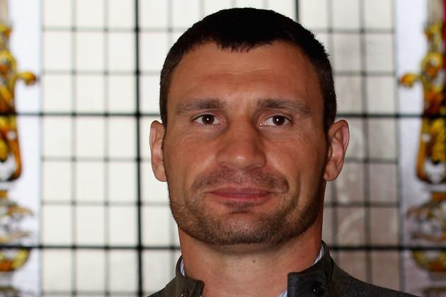 Vitali Klitschko Defeats Manuel Charr to Retain WBC Heavyweight Title
