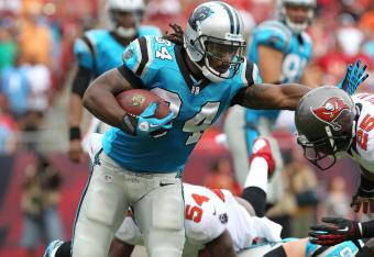 DeAngelo Williams (34) is having a hard time getting the running game going against the Bucs.