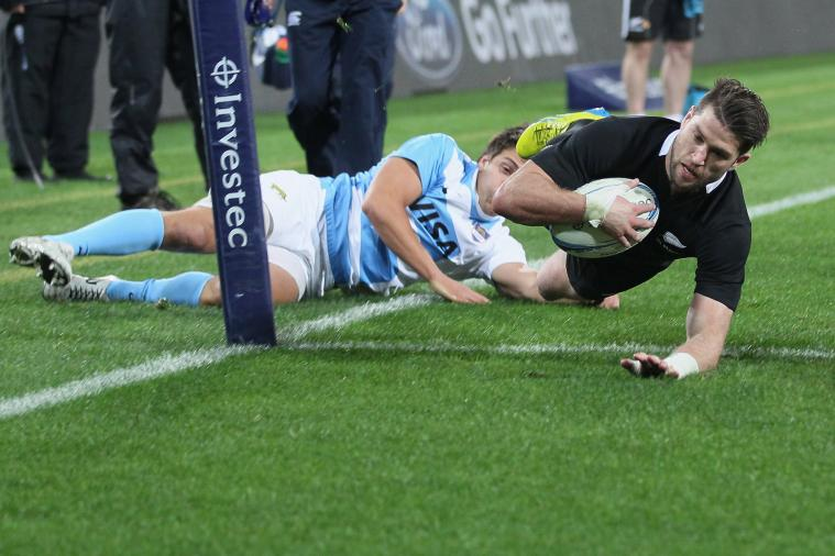 All Blacks Claim Messy Win over Argentina