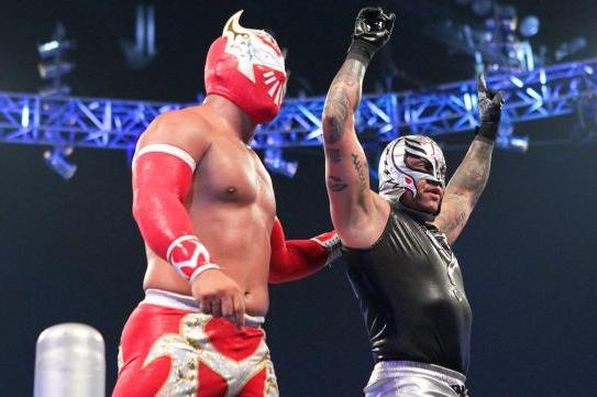 Why a WWE Matchup with Rey Mysterio Would Be Great for Sin Cara