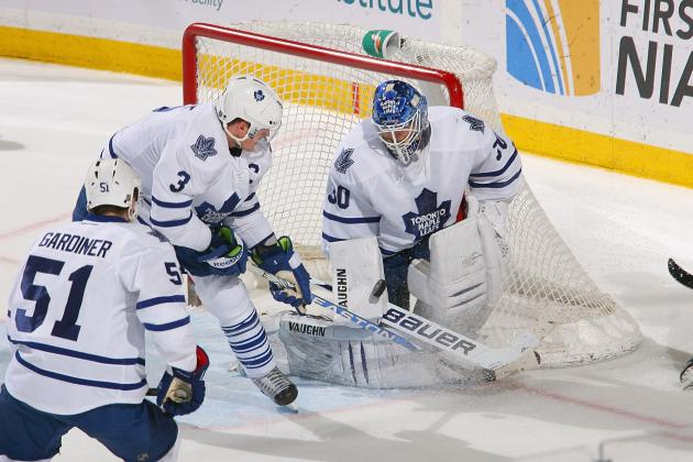 Toronto Maple Leafs Re-Sign Goaltender Ben Scrivens