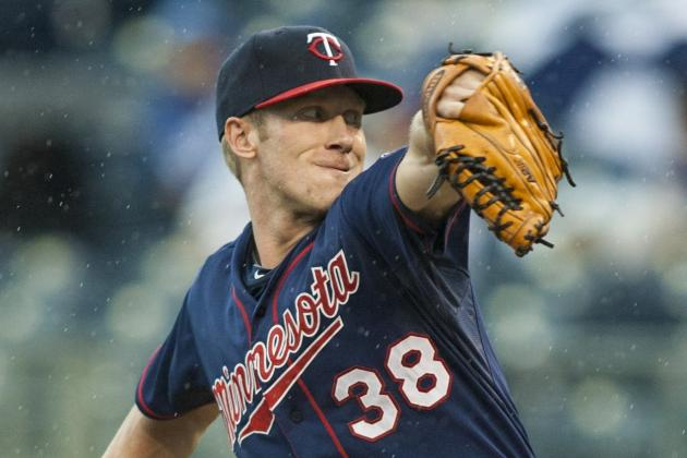 Twins Lose Cole De Vries for the Season with Cracked Rib
