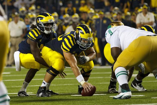 Michigan Football: Why Denard Robinson Needs to Play Under Center More Often