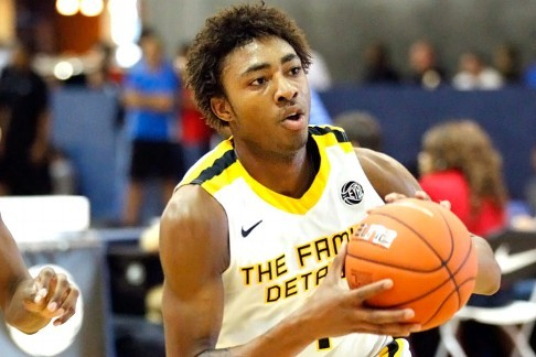 Kentucky Basketball: James Young Enjoys In-Home Visit with John Calipari