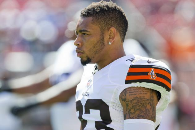 Joe Haden Appologizes to Fans Through Twitter Account