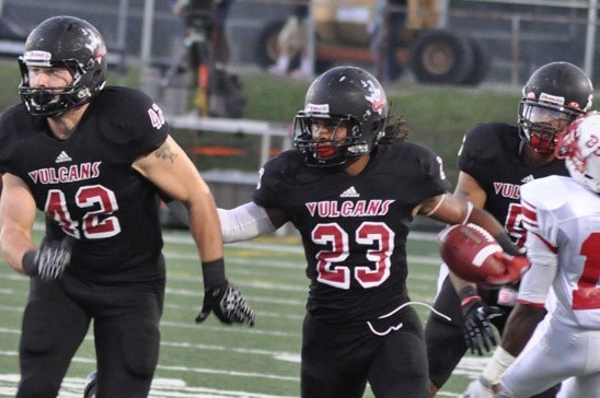 Division II Football: Cal U Remains Unbeaten, Knocks off Edinboro 24-14