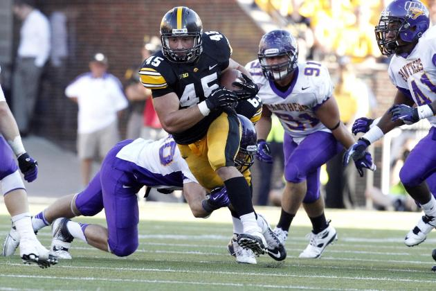 Iowa Hawkeyes Football: Mark Weisman's Big Game Help Hawks to Victory