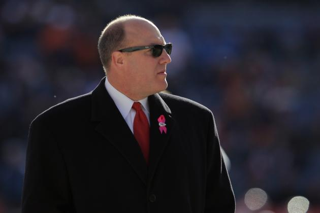 Scott Pioli Getting Poor Reviews in Fourth Season, and Other AFC West News
