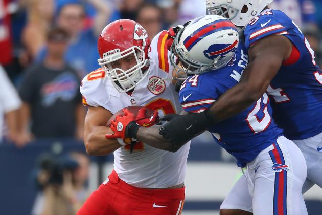 Peyton Hillis: Why Chiefs RB Is Smart Waiver Wire Option in Week 3