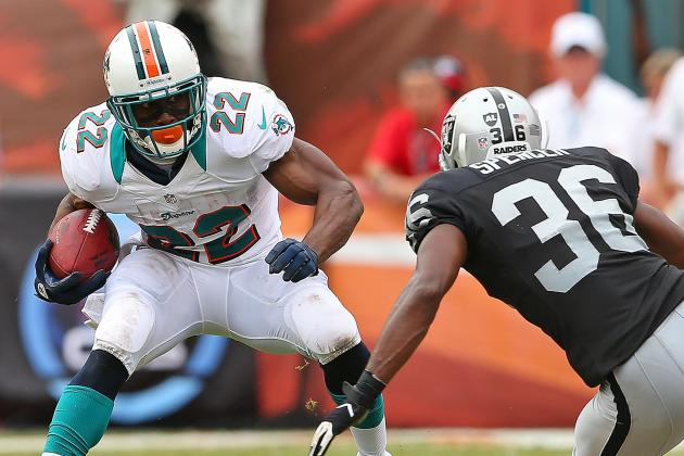 How Reggie Bush's Dynamic Presence Impacts Miami Dolphins Offense, Personnel