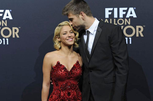 Shakira and Barcelona's Gerard Pique Happily Announce Pregnancy