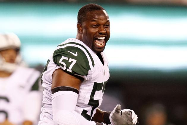 New York Jets: Bart Scott and Reporter Nearly Come to Blows in Locker Room