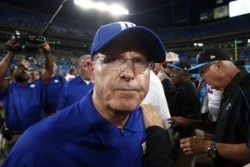 Coughlin Upset Rolle Was Hurt by Sideline Photographer