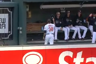 O's Reliever Catches HR in His Hat