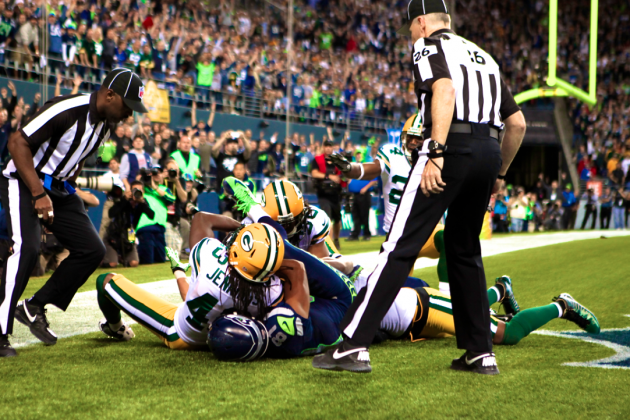 Packers vs. Seahawks: Controversial Referee Decision Gives Seattle a 14-12 Win