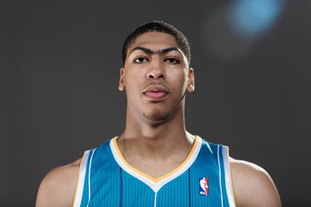 Video: Anthony Davis Dunks on a Camper at Big Blue Madness