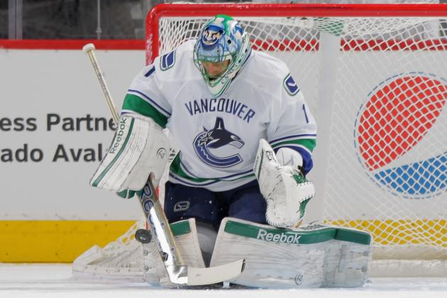 Vancouver Canucks: Are They Wise or Ridiculous Not to Trade Roberto Luongo?