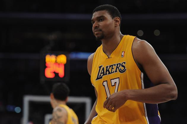 Wright: Bynum Better Than Dwight Howard