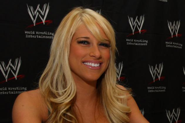 WWE's Kelly Kelly Released: Universe Moves On, Seeks Real News