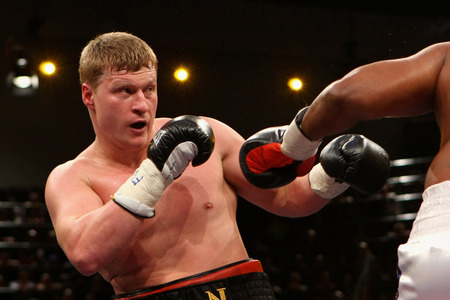 Alexander Povetkin Destroys Hasim Rahman in Two