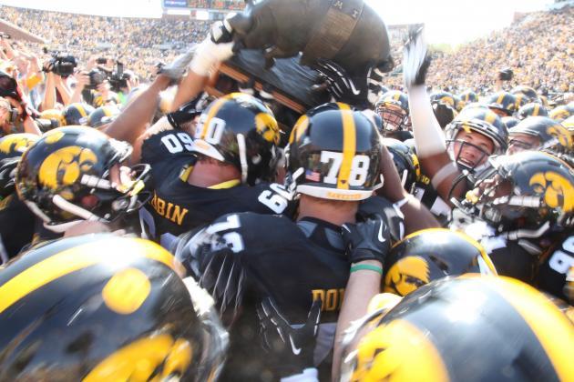 Iowa Defeats Minnesota 31-13 and Reclaims Floyd of Rosedale