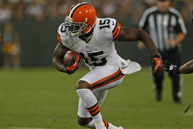 Browns Plan to Keep Working with Receiver Greg Little Until He Grasps Things