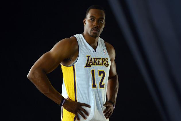 Are L.A. Lakers Rushing Dwight Howard Back into Action Too Soon?