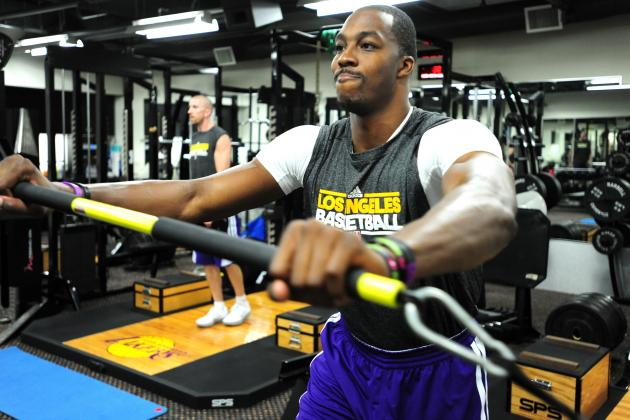 Dwight Howard Hopes to Play In Preseason While Rehabbing Back Injury