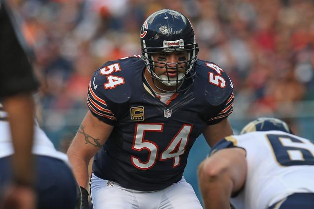 Brian Urlacher Shouldn't Retire, but the Bears Need to Manage His Playing Time