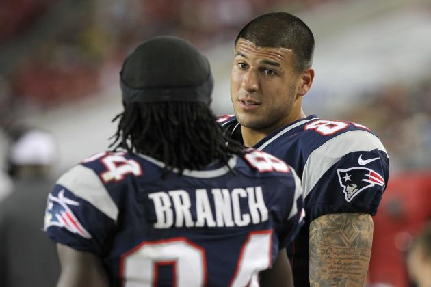 Aaron Hernandez Not Expected to Play This Week