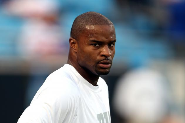 Umenyiora Challenges Confident Richardson