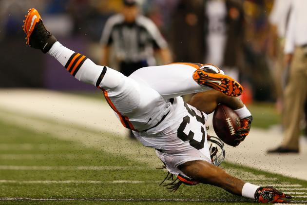 Browns vs Giants: Trent Richardson Will Get Stuffed by Osi Umenyiora and G-Men