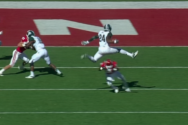 Michigan State vs. Idiana: Le'Veon Bell Hurdles Defender