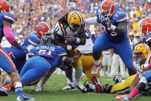 LSU Offense Is Stuck in Reverse Against Florida