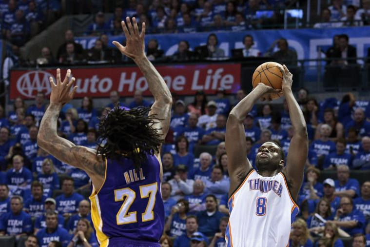 Who Should the L.A. Lakers Start If Dwight Howard Isn't Ready for Opening Night?