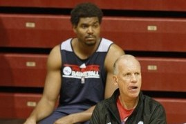 Bynum Says He's Improving, Should Be Ready for Season