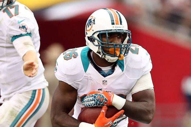 Miami Dolphins: Why Lamar Miller Deserves More Carries