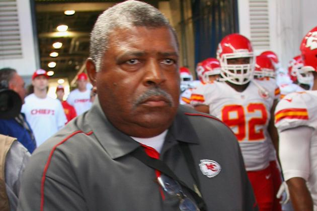Romeo Crennel: Chiefs Fans Are Great, and They're Frustrated