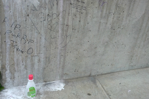 Canucks Fans Angry That Rick Rypien Tribute 'Vandalized' by Justin Bieber Fans