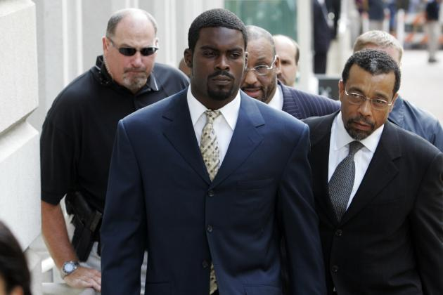 Michael Vick Admits to Owning a Dog, and More NFC East News