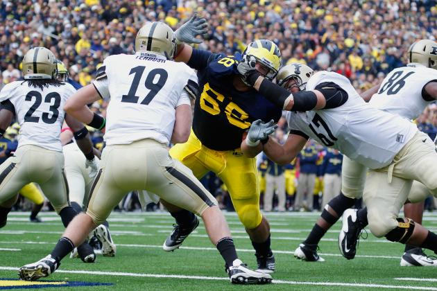Michigan Football: Finding Pass Rush Key to Victory over Illinois